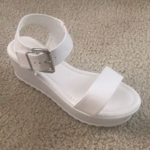 shoeland Shoes - White platform strappy open toe wedge sandals 8